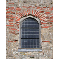 St Peter-on-the-Wall, Bradwell-juxta-Mare  Church - A closer view of the Roman bricks around the W window.